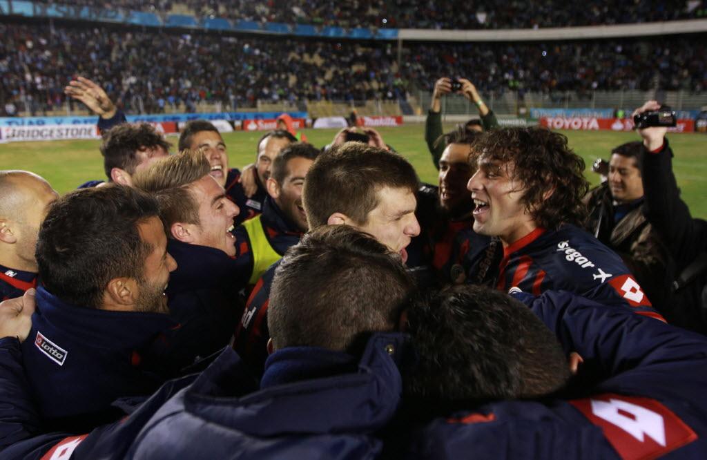 Jogadores do San Lorenzo comemoram a classificação para a final