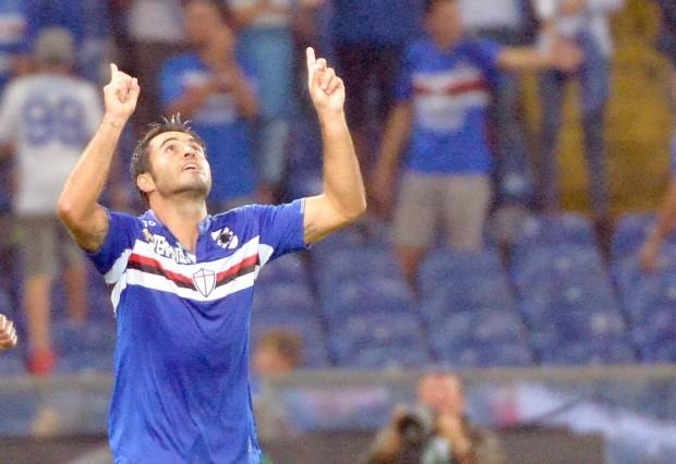Éder comemora depois de marcar, de pênalti, contra o Carpi (Luca Zenaro/Efe)