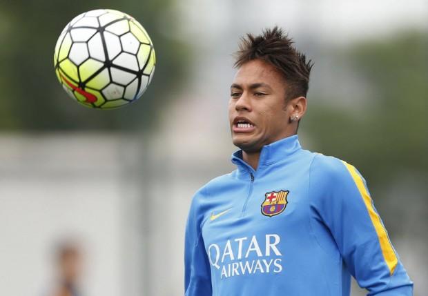 Neymar treina no CT do Barcelona (Alejandro García/EFE)