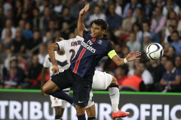 Thiago Silva, o capitão do PSG, em ação contra o Bordeaux (Kenzo Tribouillard - 11.set.2015/AFP)
