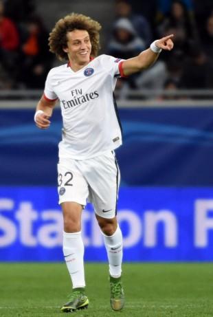 David Luiz comemora o gol que fez contra o Shakhtar, na Liga dos Campeões (Pascal Guyot - 30.set.2015/AFP)