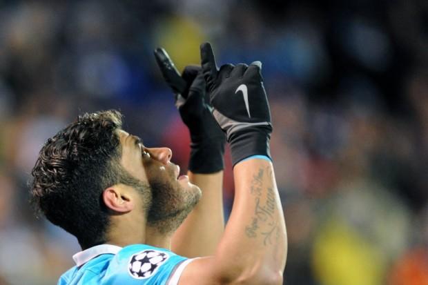 Hulk comemora gol contra o Lyon, na Champions League (Olga Maltseva - 20.out.2015/AFP)
