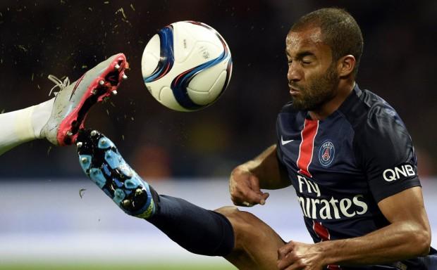 Lucas, do PSG, não balança as redes desde 7 de agosto (Franck Fife - 11.out.2015/AFP)