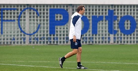 Lopetegui em um de seus últimos treinos no CT do Porto, em Olival (Reprodução - 31.dez.2015/Site do FC Porto)