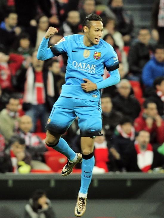 Neymar vibra ao fazer o 2º gol do Barcelona contra o Athletic Bilbao (Ander Gillenea - 20.jan.2016/AFP)