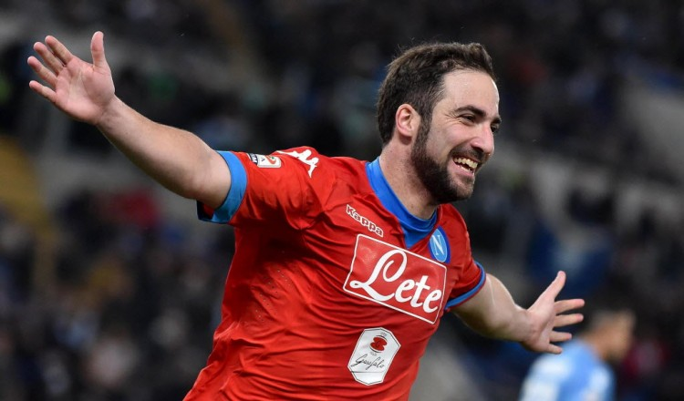 Higuaín, do Napoli (Ettore Ferrari - 3.fev.2016/EFE)