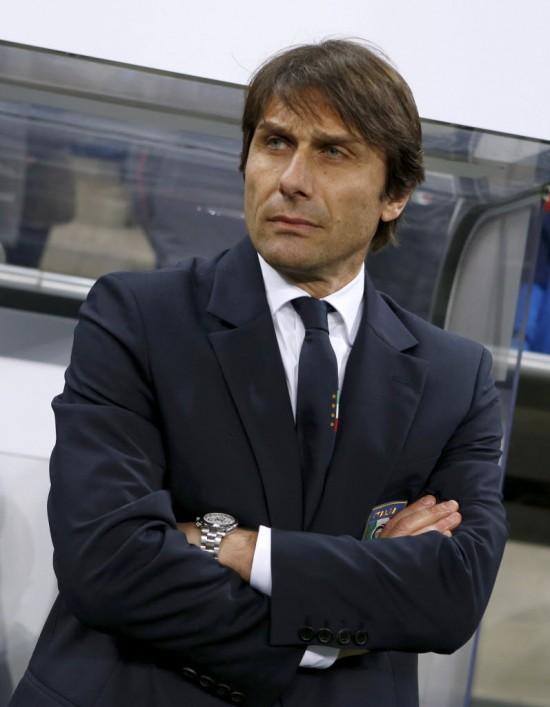 Antonio Conte, atual treinador da Azzurra, durante o amistoso em que seu time perdeu de 4 a 1 da Aleamanha, em Munique (Michaela Rehle - 29.mar.2016/Reuters)