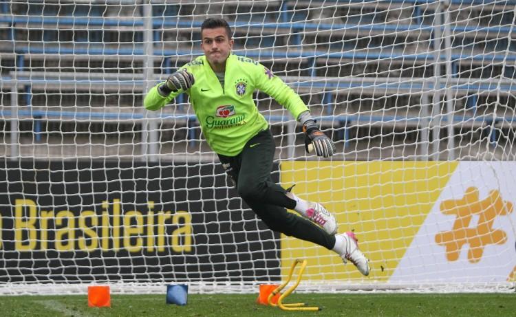 O goleiro do Grêmio, Marcelo Grohe, está de volta à seleção brasileira (Rafael Ribeiro - 5.out.2015/CBF)