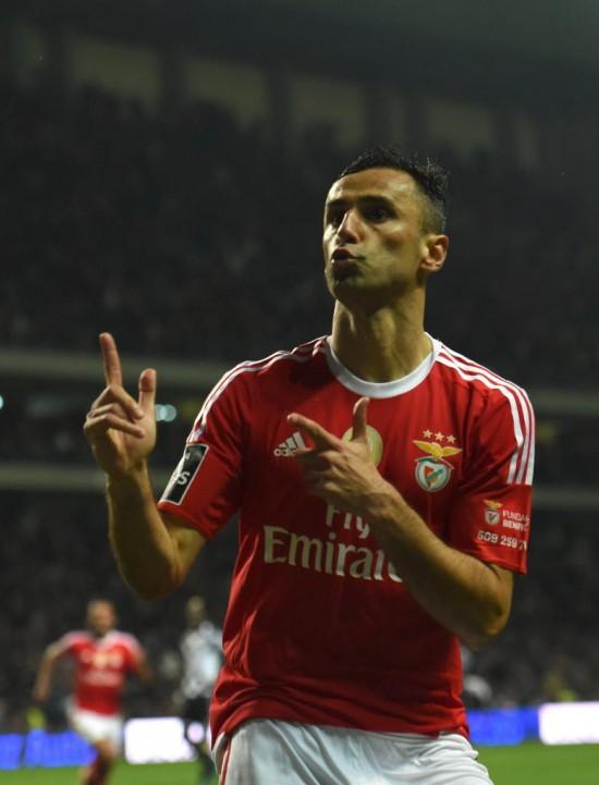 Jonas  vibra com seu gol, que deu a vitória ao Benfica contra o Boavista (Francisco Leong - 20.mar.2016/AFP)