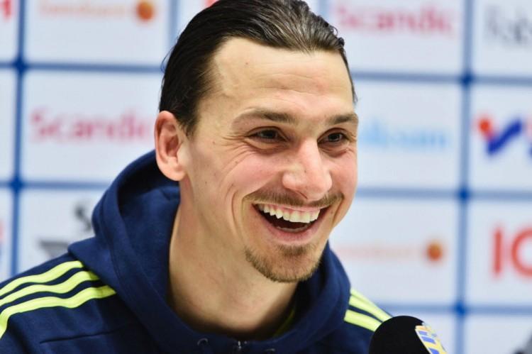 O atacante Zlatan Ibrahimovic, do francês PSG e da seleção da Suécia(Claudio Bresciani - 27.mar.2016/AFP)