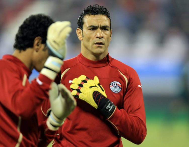 Essan El Hadary, goleiro da seleção do Egito, antes de jogo contra Brasil no Qatar, em 2011 (Karin Jaafar - 14.nov.2011/AFP)