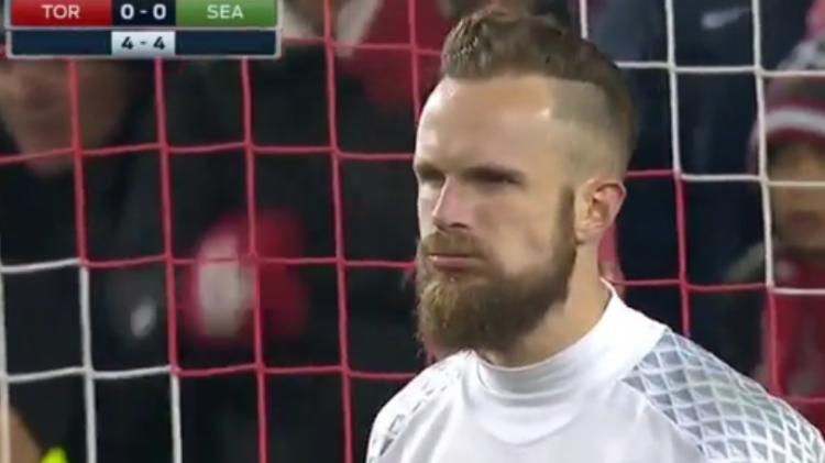 O goleiro Frei, herói do Seattle na decisão da(Reprodução/Site da Major League Soccer)
