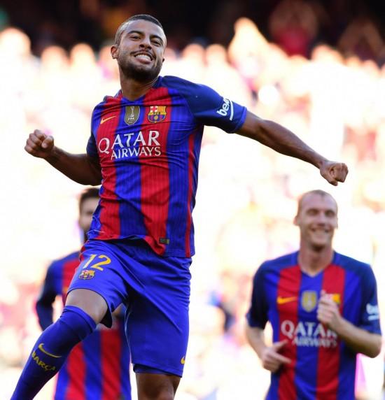 O meia-atacante comemora gol no jogo contra o Deportivo La Coruña, pelo Espanhol, no Camp Nou (Lluis Gene - 15.out.2016/AFP)