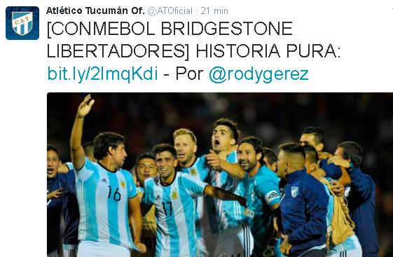 Elenco do Atlético Tucumán, da Argentina, comemora a classificação na Libertadores em Quito (Reprodução/Twitter do Club Atlético Tucumán)