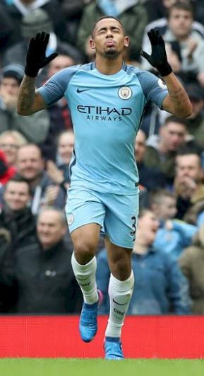 Gabriel Jesus comemora gol do City contra o Swansea no estádio Etihad, em Manchester (Reprodução/Site do Manchester City)