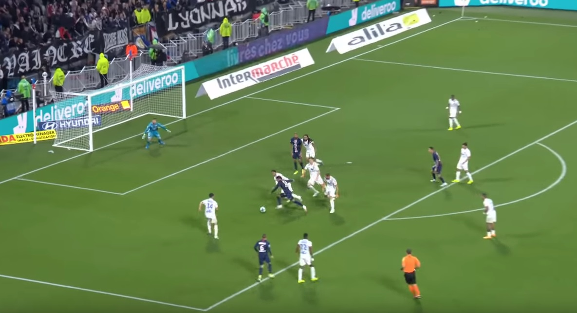 In cheer dispute, Neymar triples games in which he was decisive on PSG